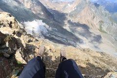 Panorama del ghiacciaio della montagna con le gambe e gli stivali alpini, alpi di Hohe Tauern, Austria Fotografia Stock Libera da Diritti