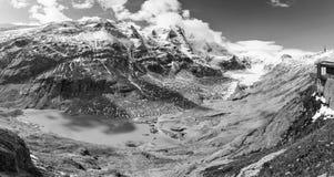 Panorama del glaciar de Kaiser Franz Josef Grossglockner, montaña austríaca Fotos de archivo libres de regalías