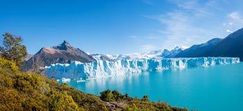 Panorama del glaciar Perito Moreno en Patagonia imagenes de archivo