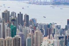 panorama del horizonte de HK de enfrente de Victoria Peak Imágenes de archivo libres de regalías