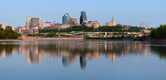 Panorama del horizonte de Kansas City. Fotos de archivo