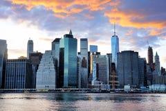 Panorama del horizonte de la puesta del sol de New York City Manhattan Fotos de archivo libres de regalías