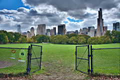 Panorama del horizonte de New York City Manhattan visto de par central Foto de archivo libre de regalías