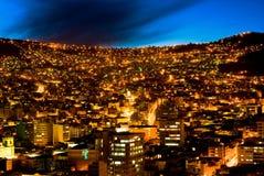 Panorama del La Paz, Bolivia de la noche Fotos de archivo
