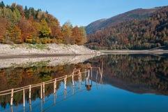 Panorama del lago alsaziano di Kruth Fotografia Stock