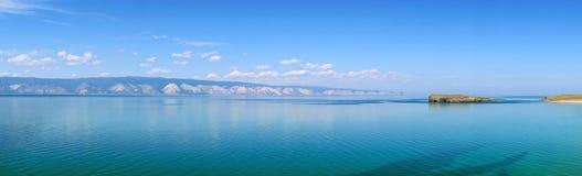 Panorama del lago Baikal in tempo pacifico Fotografia Stock
