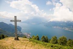 Panorama del lago Como Foto de archivo libre de regalías