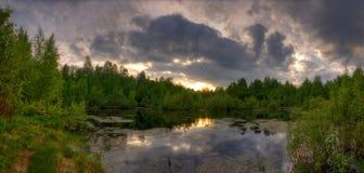Panorama del lago di estate Immagini Stock