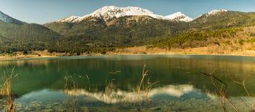 Panorama del lago Doxa in Grecia Immagine Stock