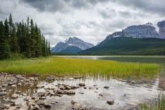 Panorama del lago Mistaya Imágenes de archivo libres de regalías