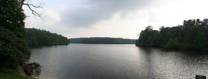 Panorama del lago mountain Fotos de archivo libres de regalías
