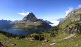 Panorama del lago nascosto in Glacier National Park Immagine Stock