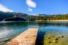 Panorama del lago nero (jezero) di Crno, Durmitor, Montenegro Fotografie Stock Libere da Diritti