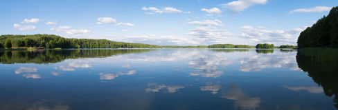 Panorama del lago in Ocypel, Polonia Fotografie Stock