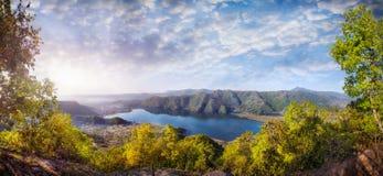 Panorama del lago Pokhara imagen de archivo libre de regalías