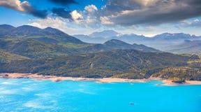 Panorama del lago Serre-Poncon Fotografie Stock Libere da Diritti