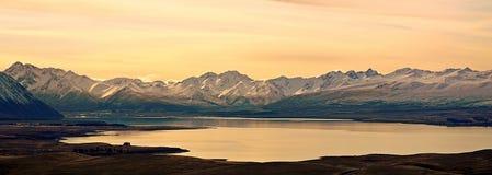 Panorama del lago Tekapo, Nuova Zelanda Fotografia Stock