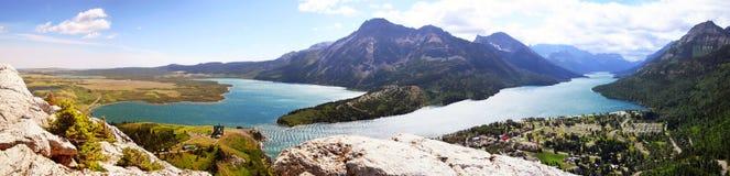 Panorama del lago Waterton Fotografie Stock Libere da Diritti