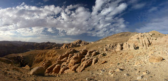 Panorama del lecho de un río seco Dana fotos de archivo libres de regalías