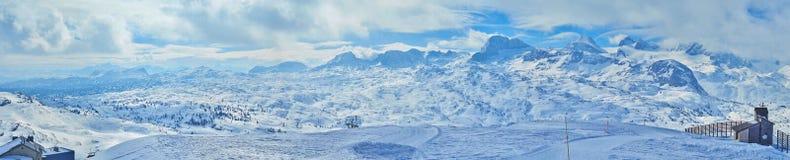 Panorama del macizo de Dachstein, Salzkammergut, Austria imagen de archivo libre de regalías
