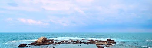Panorama del mar Mediterráneo Fotos de archivo