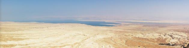 Panorama del mar muerto y del deset de Judea foto de archivo libre de regalías