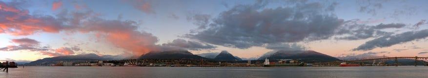 Panorama del nord di tramonto di inverno di Vancouver Fotografia Stock