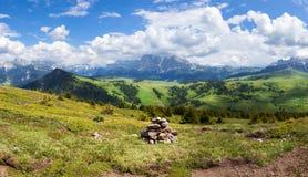 Panorama del paesaggio alpino di estate Fotografia Stock