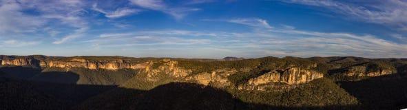 panorama del paesaggio blu del parco nazionale delle montagne, Australia immagine stock