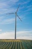 Panorama del paesaggio con il generatore eolico Immagini Stock Libere da Diritti