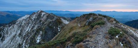 Panorama del paesaggio delle montagne Fotografie Stock