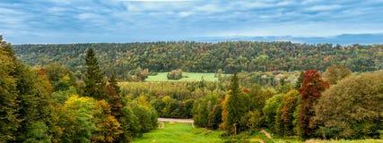 Panorama del paesaggio di autunno in Sigulda Immagini Stock