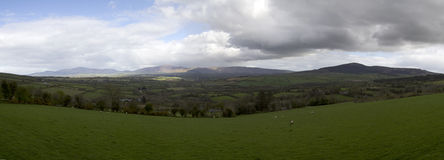 Panorama del paisaje de Irlanda imagenes de archivo