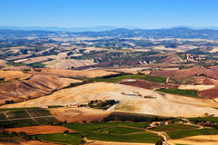 Panorama del paisaje de Toscana, Italia Casas de la granja, viñedos Imagen de archivo