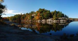 Panorama del paisaje del lago Imagen de archivo libre de regalías