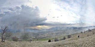 Panorama del paisaje hermoso de la montaña Fotografía de archivo libre de regalías