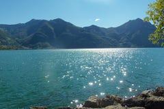 Panorama del paisaje del lago mountain Fotografía de archivo
