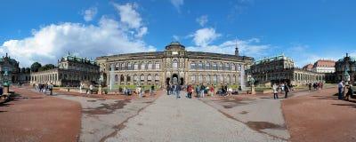 Panorama del palacio de Zwinger en Dresden, Alemania Fotos de archivo libres de regalías