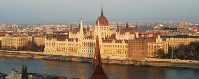 Panorama del Parlamento di Budapest immagine stock