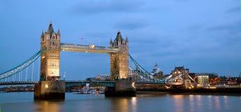 Panorama del ponticello della torretta di Londra Fotografie Stock Libere da Diritti