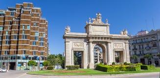 Panorama del portone storico Puerta Del Mar nel centro di Valenc Fotografie Stock