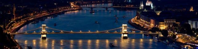 Panorama del puente de cadena de Budapest Imagen de archivo