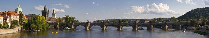 Panorama del puente de Charles Imágenes de archivo libres de regalías