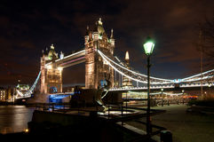 Panorama del puente de la torre y del casco Foto de archivo libre de regalías