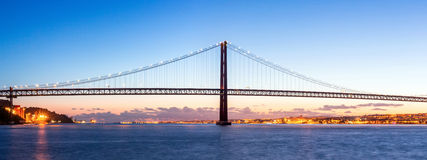Panorama del puente de Lisboa Fotos de archivo libres de regalías