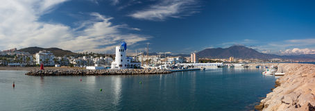 Panorama del puerto de Duquesa, Costa del Sol, España Fotografía de archivo libre de regalías