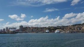 Panorama del puerto de Génova Fotos de archivo libres de regalías