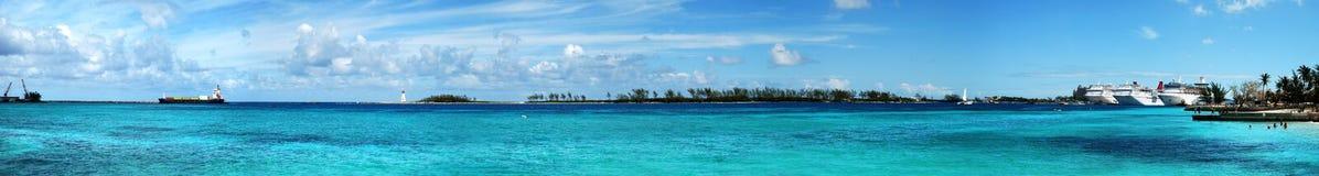 Panorama del puerto de Nassau fotos de archivo