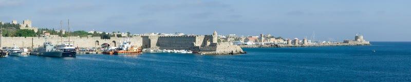 Panorama del puerto de Rodas imagen de archivo libre de regalías