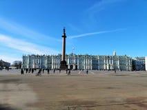 Panorama del quadrato del palazzo e del palazzo di inverno immagini stock
